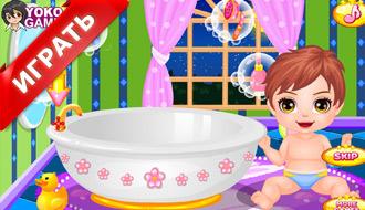 Уход за малышкой в бассейне